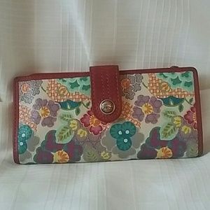 Floral What Vintage Are You Fossil Wallet